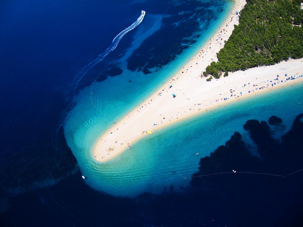 В2009году DailyTelegraph признал пляж Золотоймыс лучшим вЕвропе